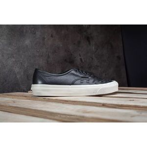 e0af9f92f7 Vans Shoes - RARE New vans authentic weave leather skate shoes